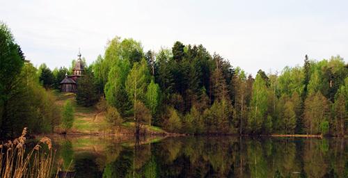 Храм-часовня в честь Казанской иконы Божией Матери на озере Светлояр